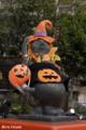 [熊本][ポスト]2009-10-09 14:02:39 中央郵便局前のタヌキ@ハロウィーン