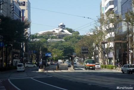 手取本町交差点から見た熊本城 2009-10-22 12:31:15