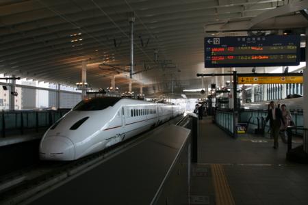 九州新幹線さくら@熊本駅 2011-03-31 15:50:34