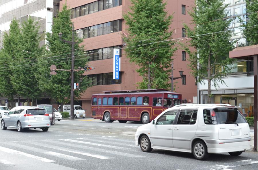 レトロ調バス 2011-08-26 14:19:43