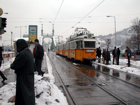 ブダペスト 中央市場前 2003-02-11