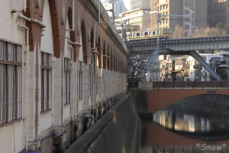 万世橋から昌平橋を見る