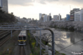 [東京][電車][桜]牛込橋の上から見た外堀と総武線 2010-04-03 16:55:57