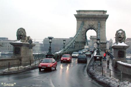 2003-02-11 18:16:36 Budapest Széchenyi Chain Bridge