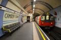 [ロンドン][電車]カムデンタウン 2011-12-05 15:13:46