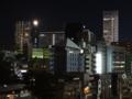 [東京][街角]スカイツリーの上に月@聖橋 2012-12-01 19:42:01