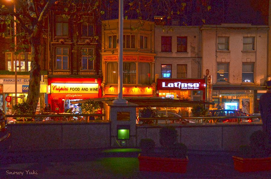 Kensington High Street 2011-12-02