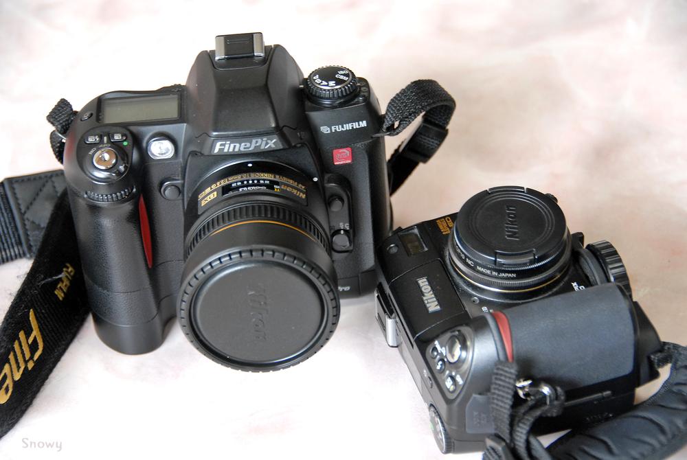 COOLPIX8400 と FinePix S2 Pro