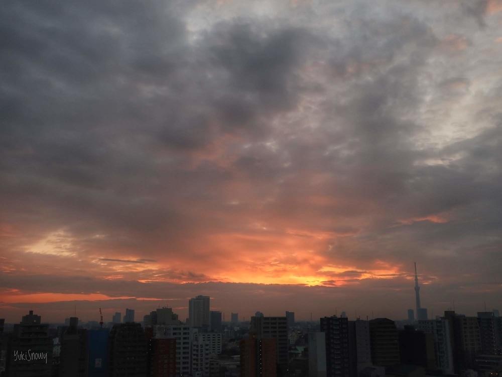 日の出直後くらいの空(2019-02-25 06:20)