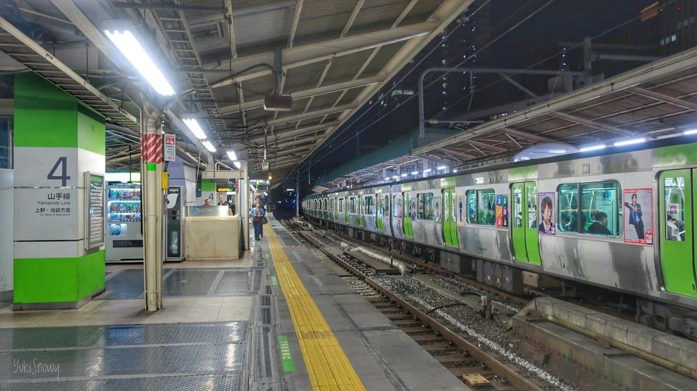 東京駅(2019-04-13 20:40)