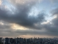 [空][雲][東京][朝](2020-11-26 06:50)