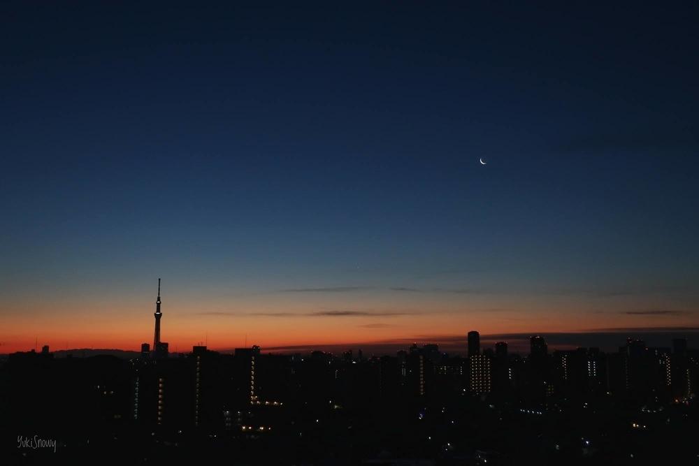 有明月(27.21)と明けの明星(2021-01-11 06:18)