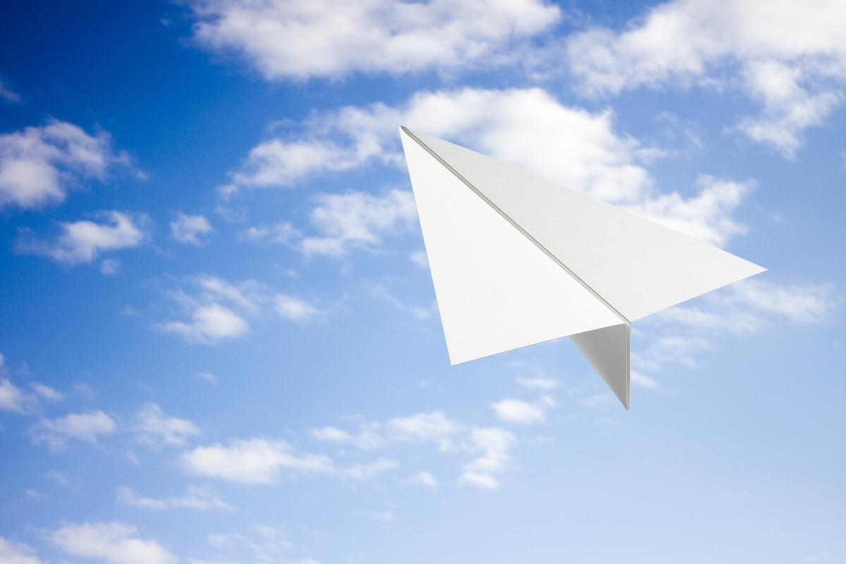 青空に紙飛行機:Soseki21ブログ