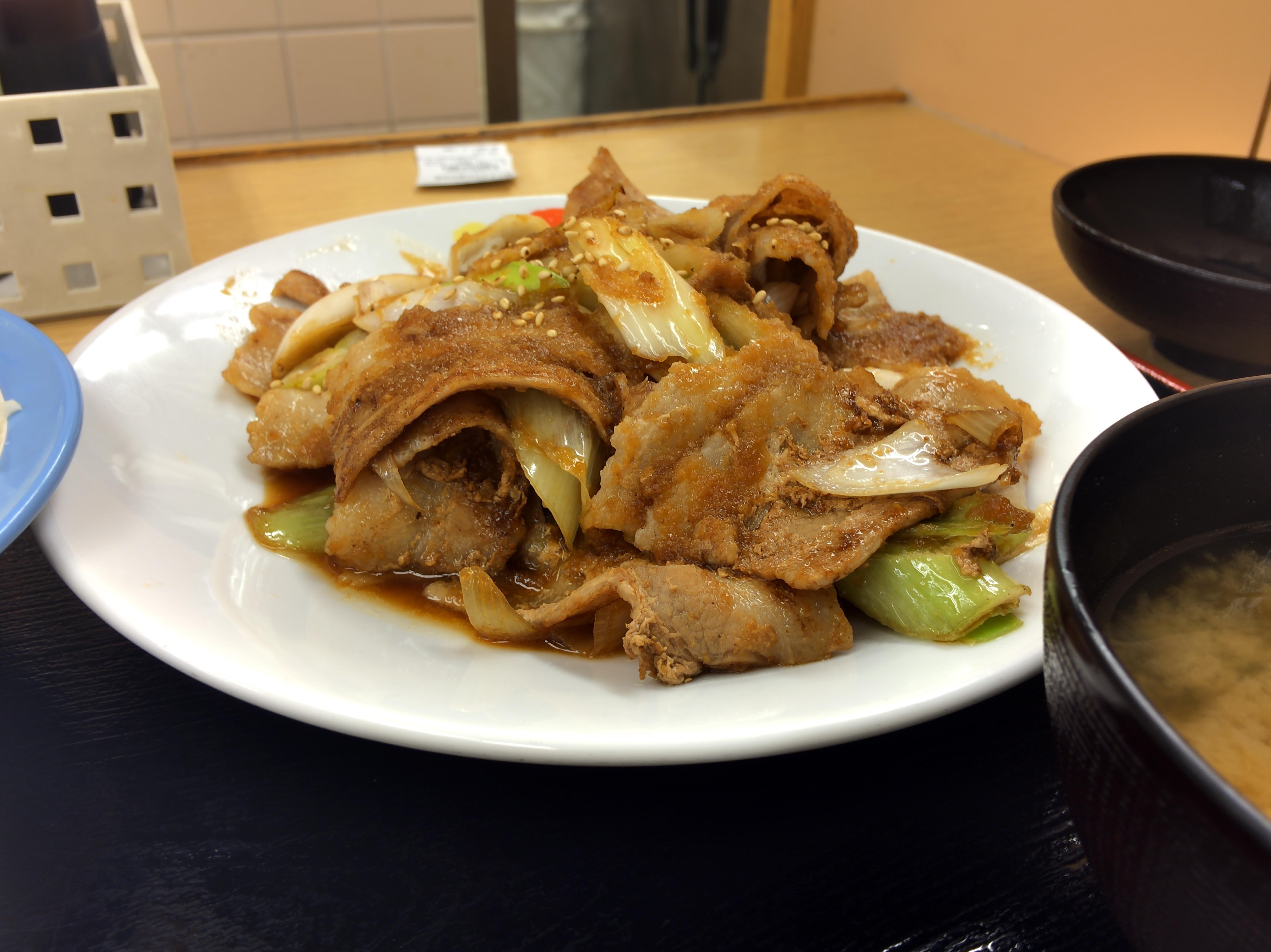 [松屋][豚バラ肉と長ネギの][生姜焼W定食][税込み930円][1441kcal]