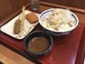 [楽釜製麺所][魚介系濃厚スープの][肉つけうどん][560円][たこキャベツカツ][ごぼう天][のりしお鶏串カツ][各120円][(税込)]