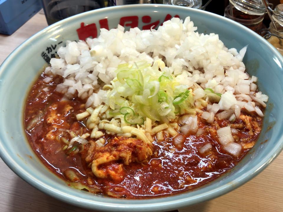 カレタン 三軒茶屋店 トマトカレータンタン麺 700円 キャベツ 100円 玉ね