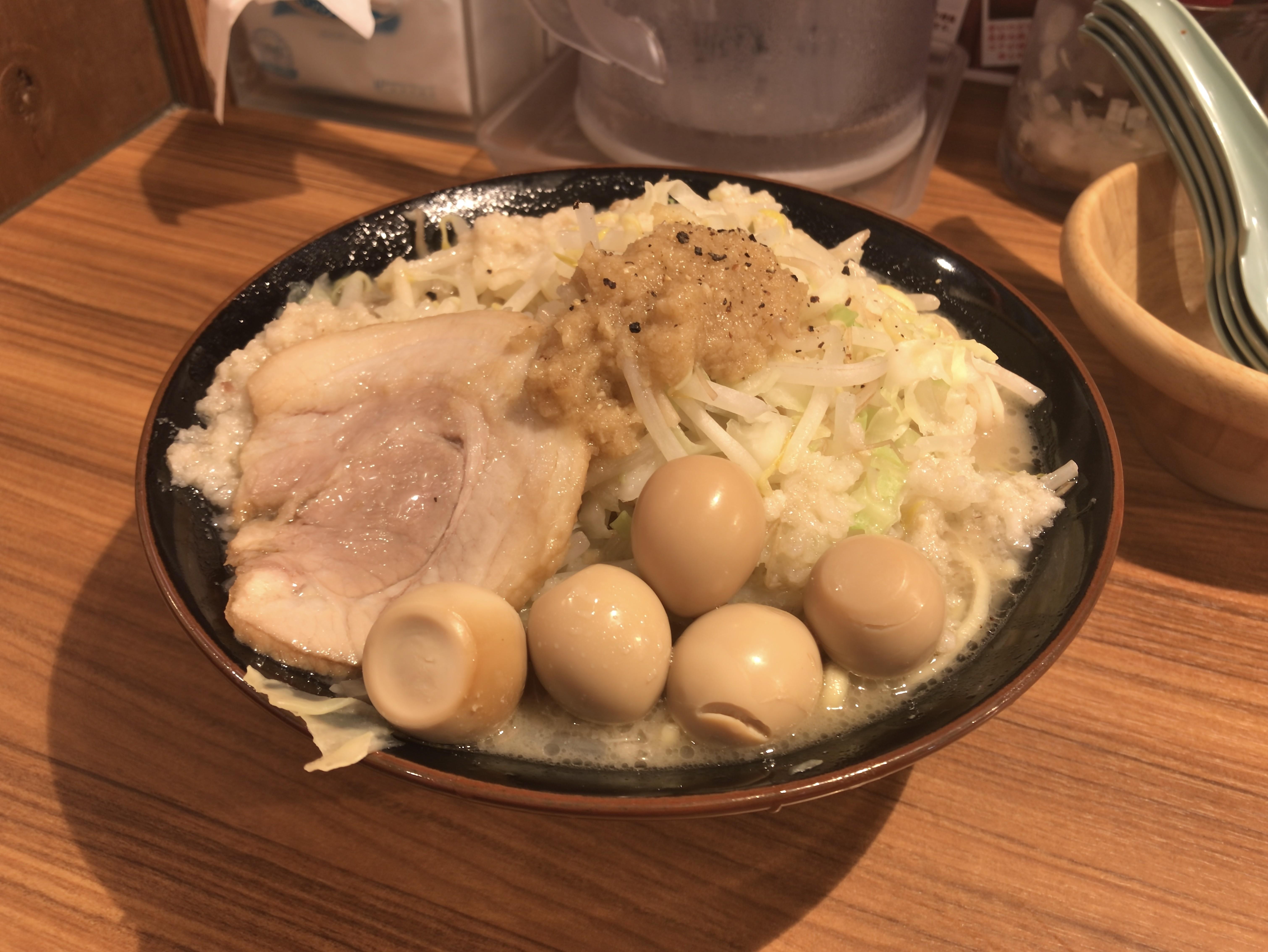 壱角家 塩壱郎ラーメン 税込み820円 うずら卵5個(クーポン)