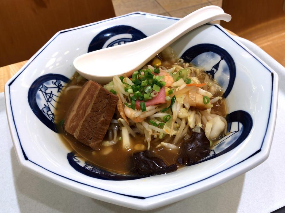リンガーハット 角煮ちゃんぽん 税込み961円 748kcal