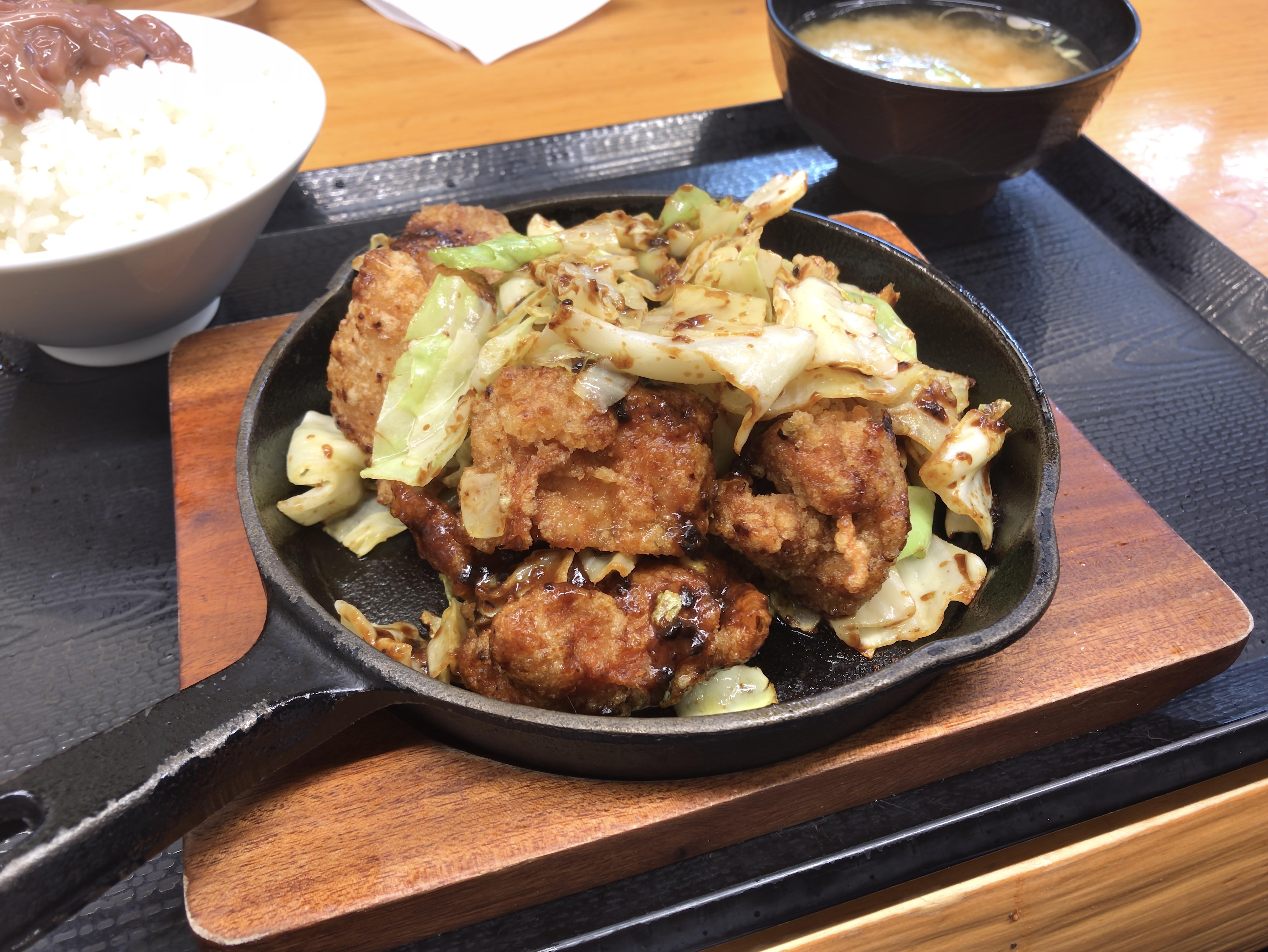 からやま 鶏回鍋肉定食 税込み745円