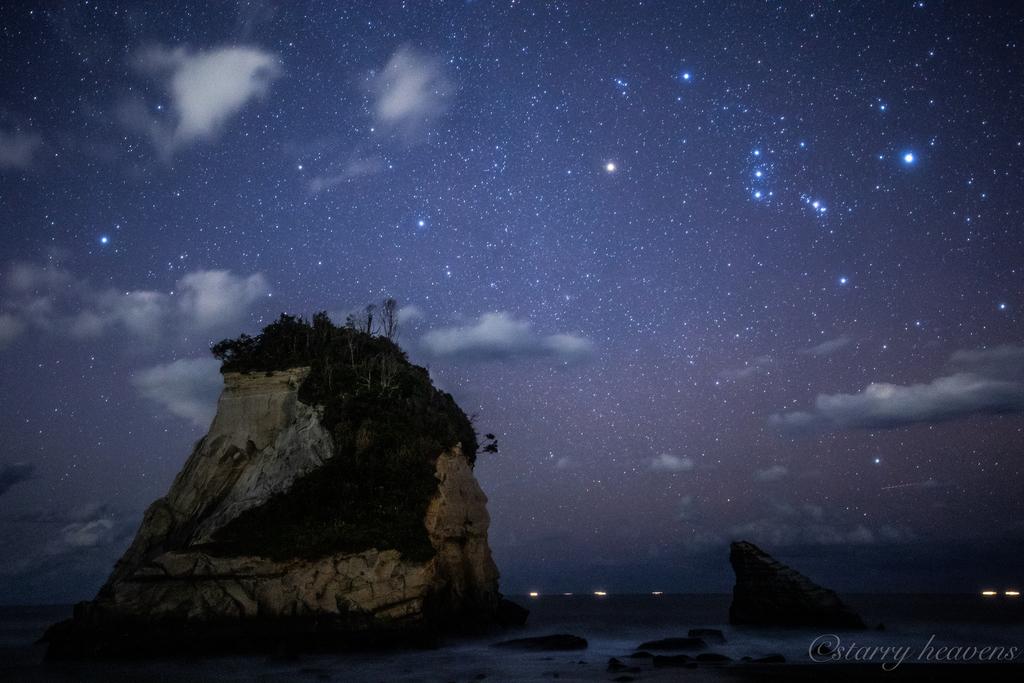 夫婦岩 (雀島) 星空 オリオン座