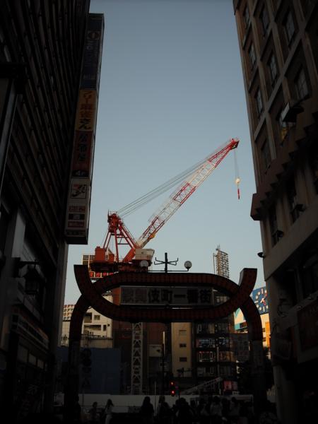歌舞伎町クレーン