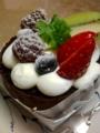 [菓子]フルーツチョコロールケーキ