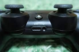 PS4 イヤホン 差す