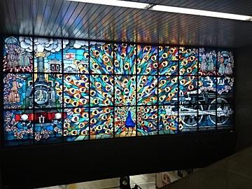 JR新橋駅 くじゃく窓 ステンドグラス