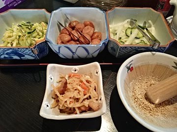 拝島 かつ膳 漬け物 小鉢