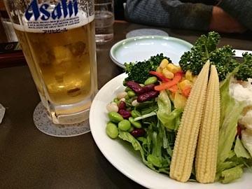 野菜サラダ ビール 盛岡駅 多賀