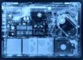 壁紙にしたい、アルミのMacBookのレントゲン : Gizmodo Japan(ギズモード・
