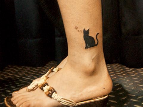 [東京][渋谷][原宿][タトゥー][刺青][画像][デザイン][ネコ][ワンポイント][足首]