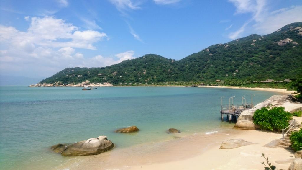 Six Senses Ninh Van Bayのプライベートビーチ全景