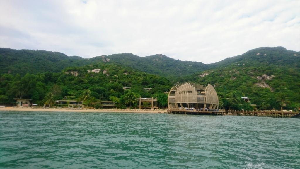 An Lam Retreat Ninh Van Bayの球体レストランと全景