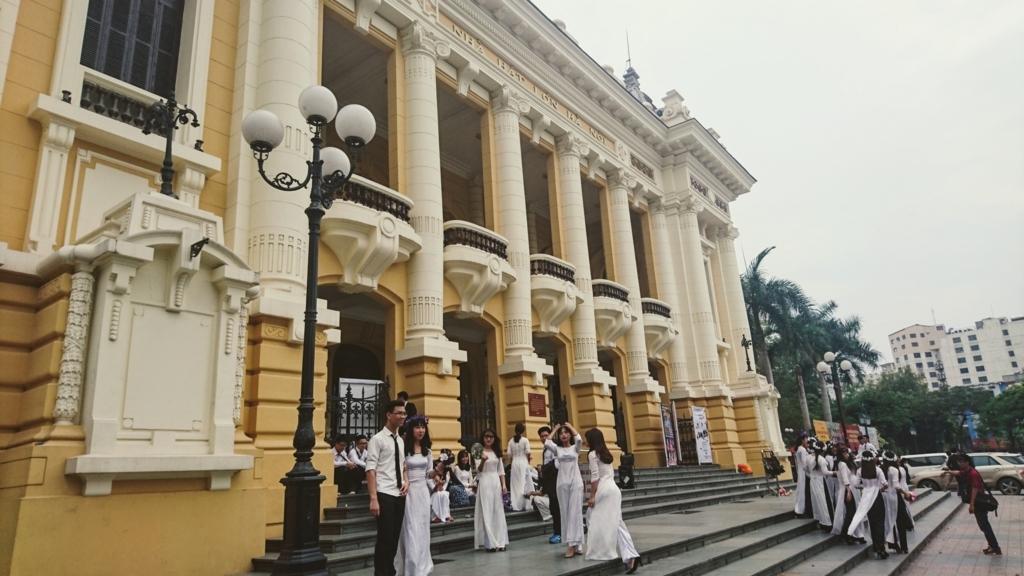 ハノイの有名な観光スポットのオペラハウス