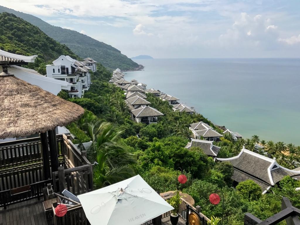 Intercontinental Danangのロビーから見た景色