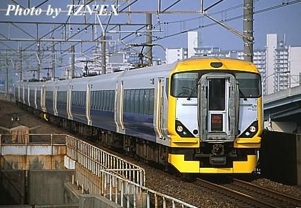 E257系500番台10両編成の特急「わかしお」