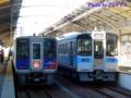 [N2000系][7000系]N2000系「うずしお」(左)と7000系(右)