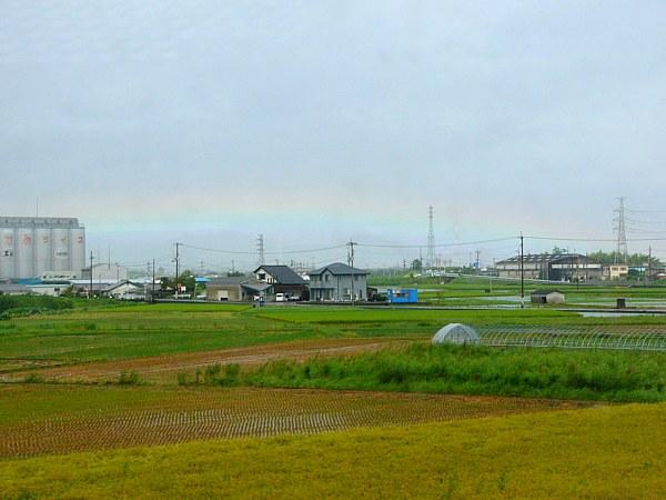 車窓から見えた虹