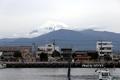 沼津港から富士山