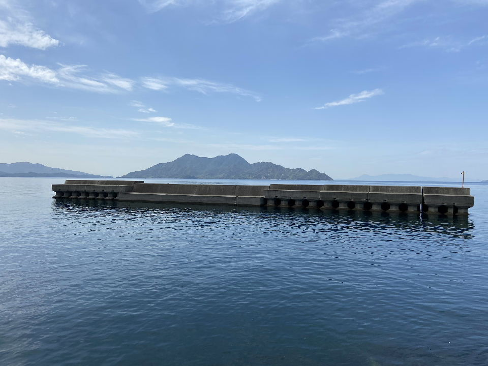 沖堤防と大黒神島