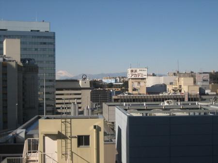 横浜県民センターより(富士山も見える)