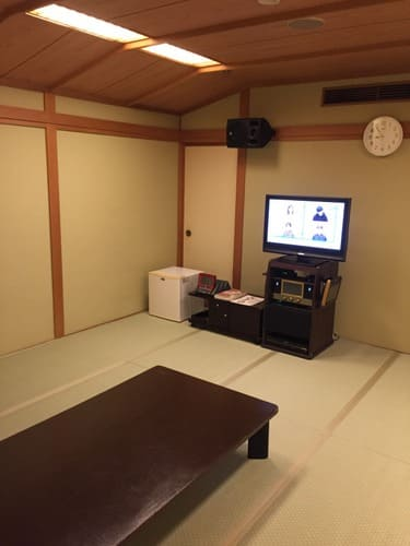 f:熱海金城館カラオケ部屋の写真