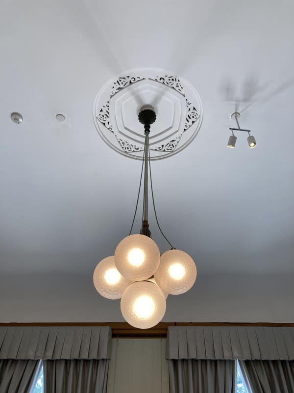 部屋の照明の写真