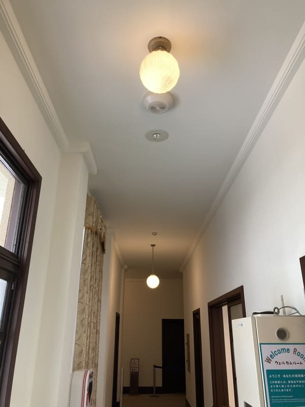 廊下の天井の写真