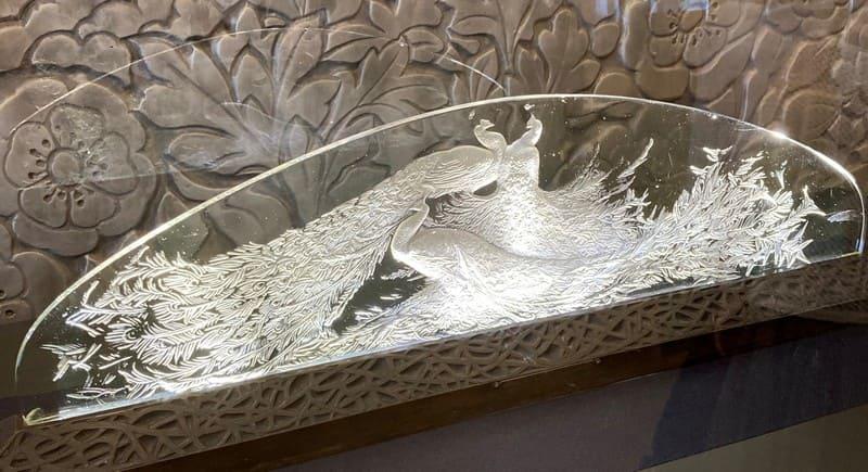 テーブル・センターピース[三羽の孔雀]の写真
