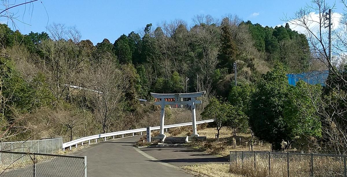 山頂の胸形神社への参道が見渡せる…