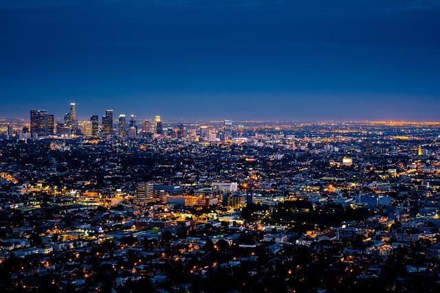 ロサンゼルス発