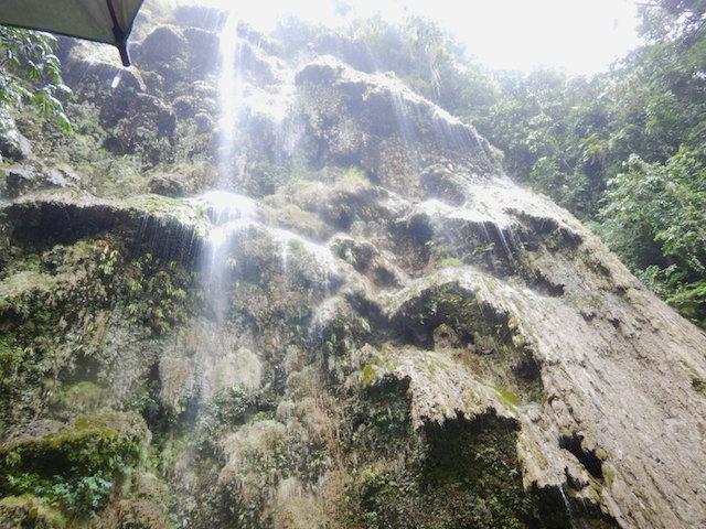 ツマグロ滝