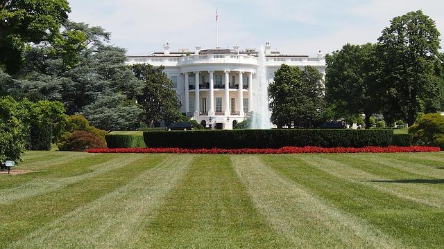 ホワイトハウス 観光 バス
